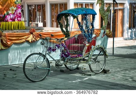 Ko Kret, Thailand 01.04.2020: Thai Style Vintage Retro Tricycle Bike Or Rickshaw Decorated And Exhib
