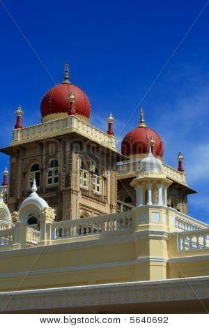 schöne und historische Denkmal von Mysore Palast iii