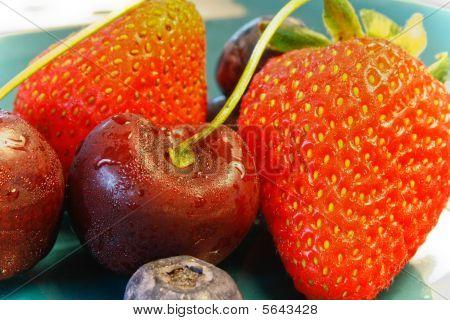 Cherry Berry Strawberry
