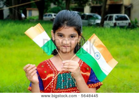 hell Girl mit zwei flags