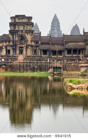 Angkor Wat Temple at Siem reap Cambodia. poster