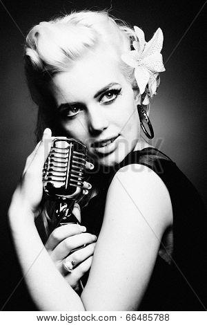 A beautiful vintage singer