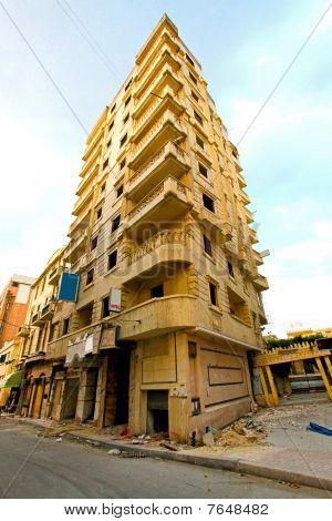 Earthquake Building