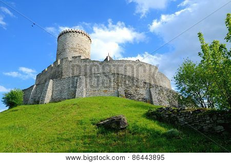 Castle B?dzin in Poland
