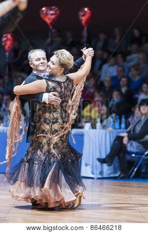 Minsk, Belarus-february 14, 2015: Senior Dance Couple Of Yaroshevich Andrey And Kovaleva Svetlana Pe