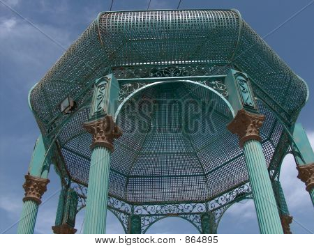 A hexagon arbor construction
