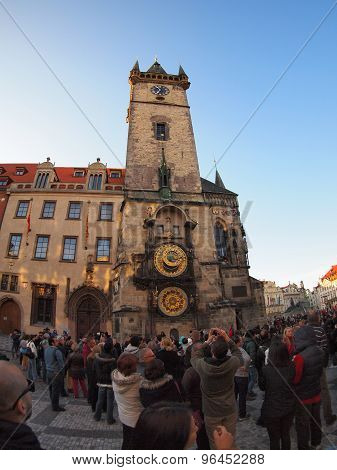 The Crowd Of Tourists Photographed Clock In The Square Stare Mesto