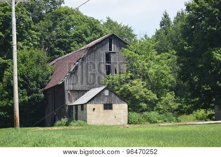 a old barn sits forgotten