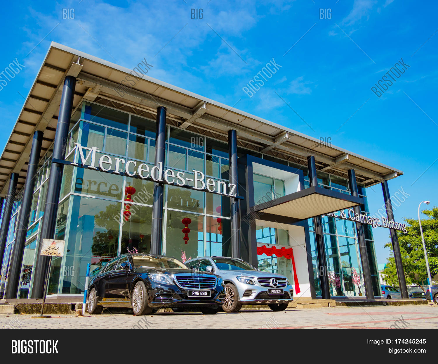 proudly dealer and brookfield serving newtown danbury bethel mercedes welcome of ct benz to ridgefield drivers htm about dealership