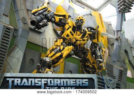 UNIVERSAL STUDIOS SINGAPORE - FEBRUARY 2 2017 : TRANSFORMERS model at Universal Studios Singapore.