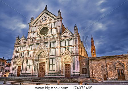 Florence, Tuscany, Italy: the renaissance Basilica di Santa Croce (Basilica of the Holy Cross), the Franciscan church known also as the Temple of the Italian Glories because it is the burial place of some of the most illustrious Italians poster