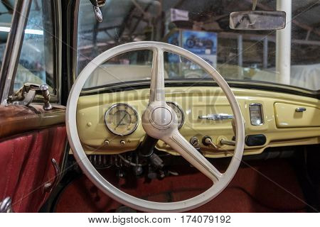 Ifa F9 Cabrio-limousine 1954 Vintage Steering Wheel And Dashboard