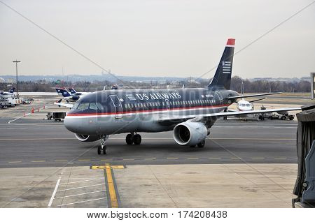 WASHINGTON DC - DEC. 11, 2010: US Airways Airbus 319-112 at Ronald Reagan Washington National Airport (DCA) in Washington DC, USA.