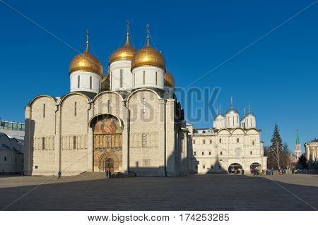 Cathedral of the Assumption (1475 - 1479) the right of the Patriarch's Palace with the church Twelve Apostles (1653 - 1655) Cathedral Square of the Moscow Kremlin