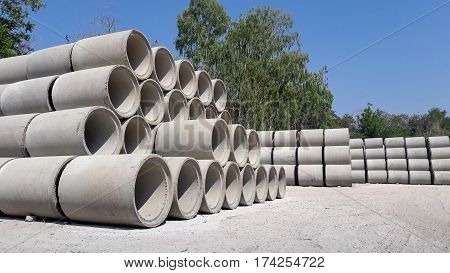 precast concrete water drainage pipe in big factory