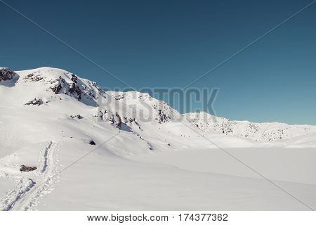 skitour at aleitenspitze near bamberger hutte in austria