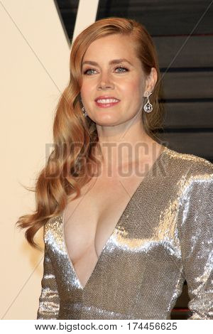 LOS ANGELES - FEB 26:  Amy Adams at the 2017 Vanity Fair Oscar Party  at the Wallis Annenberg Center on February 26, 2017 in Beverly Hills, CA