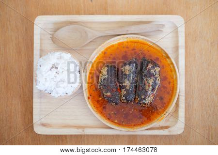 Fried mackerel in chilli sauce is made of sweet and spicy chili sauce poured into fried mackerels eating with rice