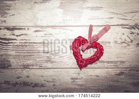 Wicker Heart Toned