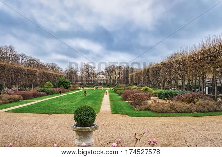 PARIS, FRANCE - DECEMBER 26, 2012 : Winter view of the park near Rodin Museum, Paris, France