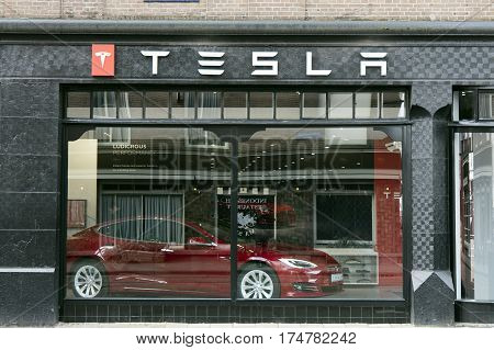 Tesla Store In Amsterdam