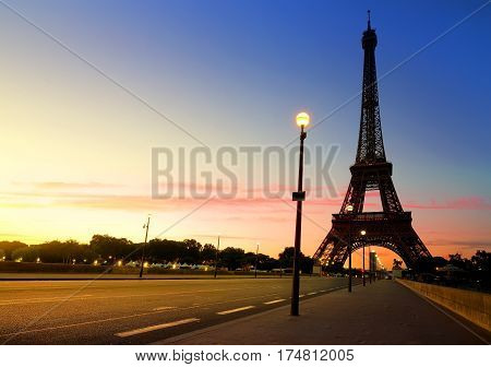 The sunrise in Paris, with Eiffel Tower
