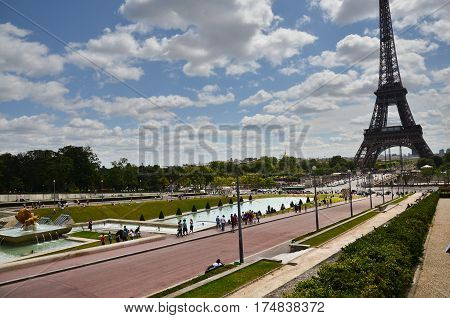 the Eiffel Tower and the Trocadero square with its sparkling fountains and gardens