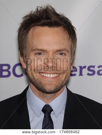 LOS ANGELES - AUG 02:  Joel McHale arrives for the Summer 2011 TCA Party-NBC on August 1, 2011 in Beverly Hills, CA