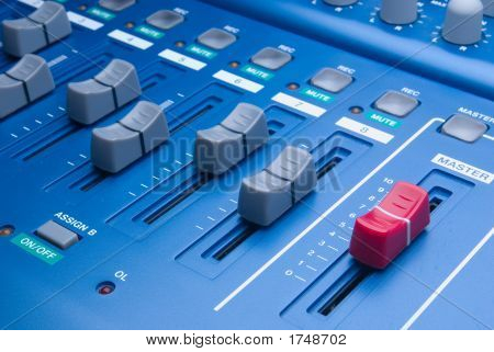 Eight Tracks Digital Recorder