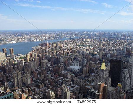 skyline new york si puo osservare tutto affacciandosi dall' empire state building