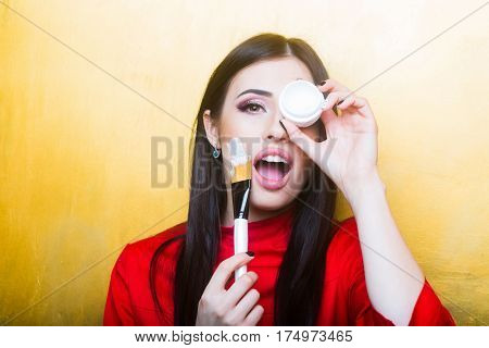 Sexy Pretty Brunette Woman Face With Artist Or Makeup Brush