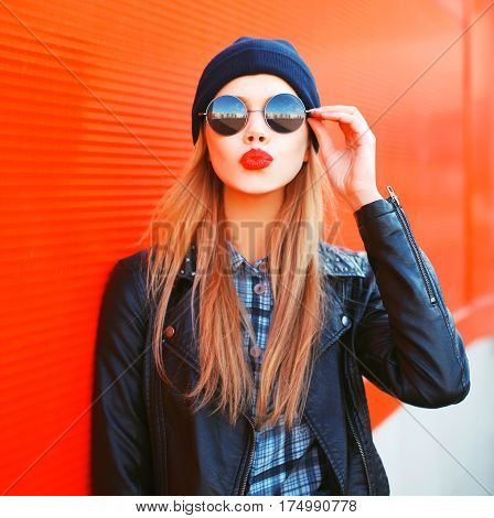 Fashion Portrait Beautiful Blonde Woman Sends Air Kiss Blowing Red Lips Outdoors Wearing Sunglasses