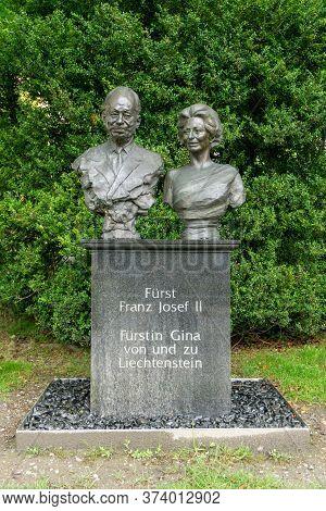 Vaduz, Fl / Liechtenstein - 16 June 2020: Bust Of The Count And Countess Of Liechtenstein In The Cap