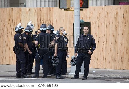 New York, New York/usa - June 2, 2020: Police Prepare For Blm Demonstrators To Protest On Union Squa