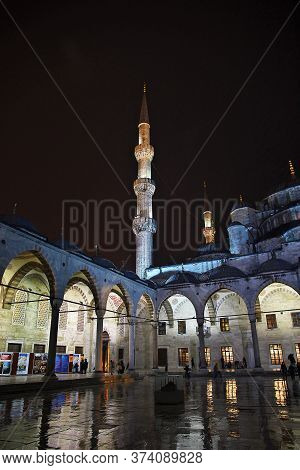 Istanbul / Turkey - 31 Oct 2014: Blue Mosque In Istanbul, Turkeyblue Mosque In Istanbul, Turkey