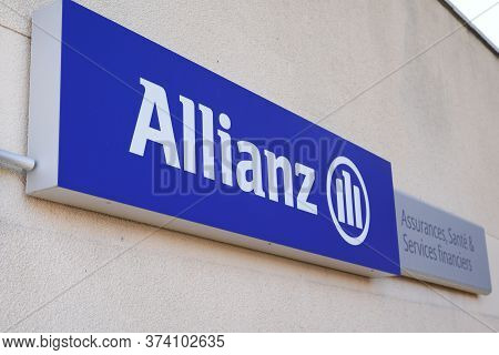 Bordeaux , Aquitaine / France - 06 20 2020 : Allianz Insurance Logo And Text Sign Store In Office Of