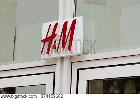 Bordeaux , Aquitaine / France - 06 20 2020 : H&m Store H M Logo Sign On Clothing Retail Company Glob