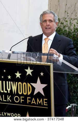 LOS ANGELES - OCT 30:  Les Moonves at the Hollywood Walk of Fame Ceremony for Mark Harmon at Hollywood & Vine on October 30, 2012 in Los Angeles, CA