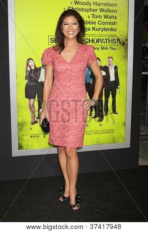 """LOS ANGELES - OCT-30: Julie Chen bei der Premiere von """"Sieben Psychopathen"""" Bruin Theater am 3"""