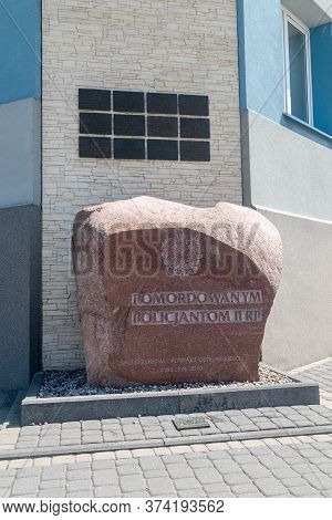 Ostrow Mazowiecka, Poland - June 2, 2020: Stone Commemorating The Murdered Policemen Of The Second P