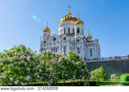 Cathedral Of Christ The Savior (khram Khrista Spasitelya) In Spring, Moscow, Russia