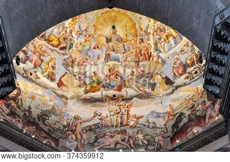 Florence, Italy - May 2018: Interior Of Cathedral Of Saint Mary Of The Flower (cattedrale Di Santa M