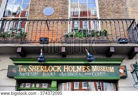 London, Uk - April 2017: Sherlock Holmes Museum On Baker Street 221b