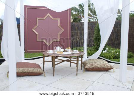 Courtyard Garden Picnic