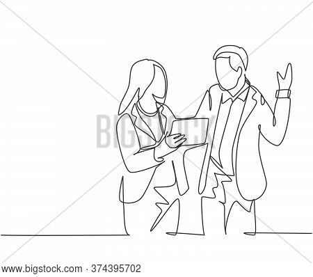 Single Continuous Line Drawing Of Young Male And Female Managers Discussing Strategic Planning To In