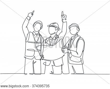 Single Continuous Line Drawing Of Young Architect Holding Blueprint And Discussing Building Construc