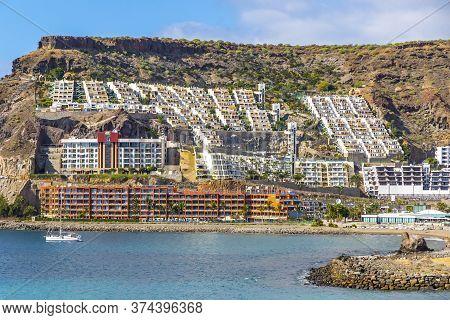 Canary Islands, Spain - December 13, 2018: Cura Beach (spanish: Playa Del Cura), Rocky Beach Near Pu