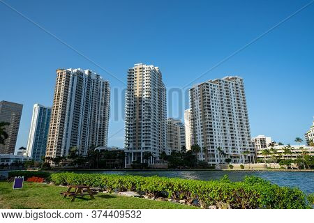 Highrise Waterfront Condominiums Brickell Miami Fl Usa
