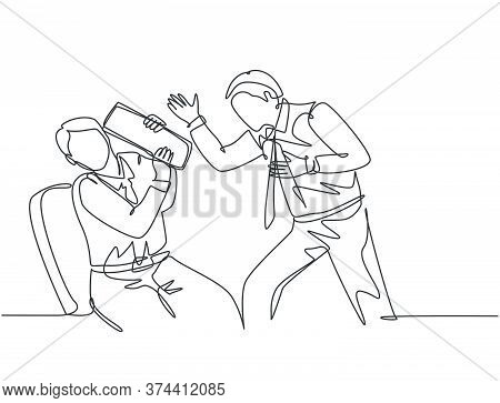 One Continuous Line Drawing Of Young Rage Manager Screaming On The Face Of His Staff After The Staff