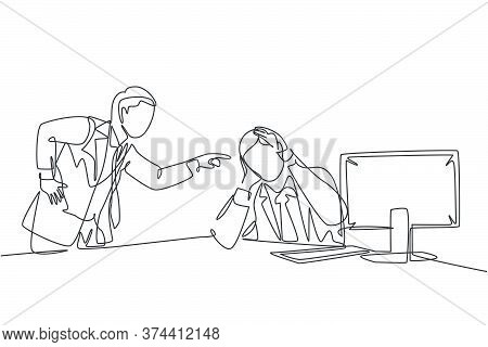 One Continuous Line Drawing Of Young Furious Manager Blaming His Lazy Staff About Bad Work Performan